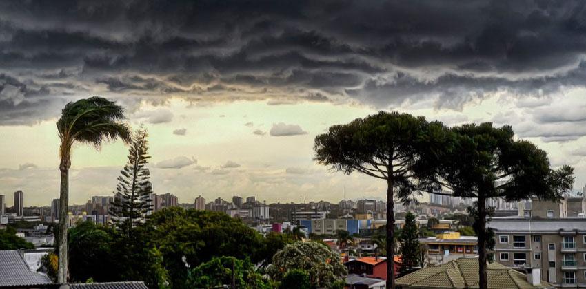 Temporais em Curitiba: Sua residência está protegida?